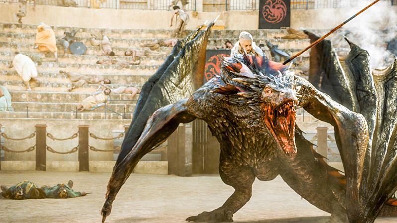 絶体絶命のデナーリスをドラゴンが救う